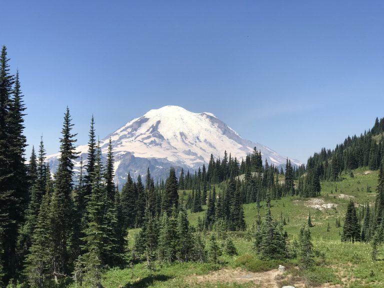 Mt Rainier – your best day trip option