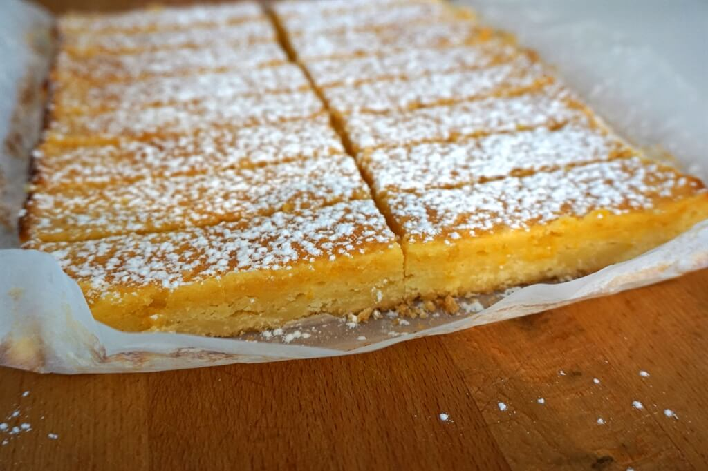 The most delish lemon bars - ready to eat!
