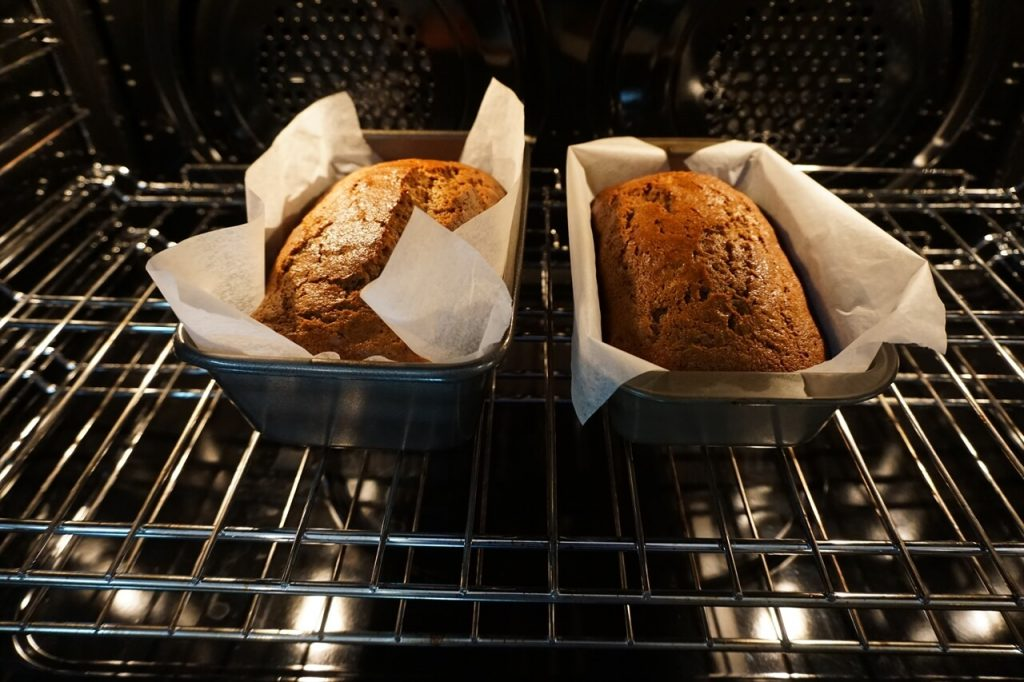 Banana Ginger Bread in the oven, ready to come out