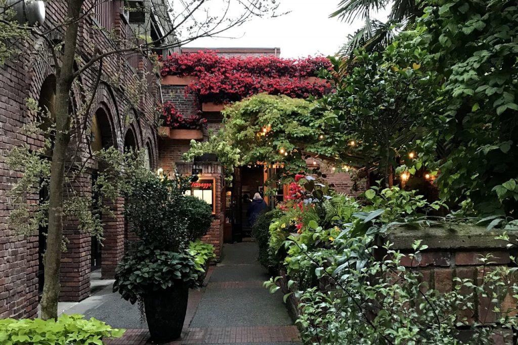 The entrance to the beautiful Il Terrazzo restaurant